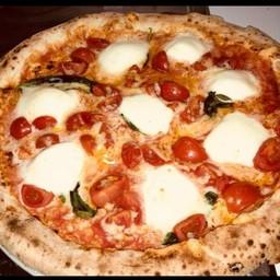 Pizza Margherita Pompeiana