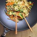 PER 4 PERSONE Noodles di riso con verdure