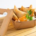 Samosa con insalatina Coleslaw