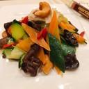 Misto di verdure saltate con zenzero e anacardi