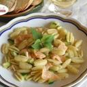 Gnocchetti sardi, con salmone, zucchine e menta